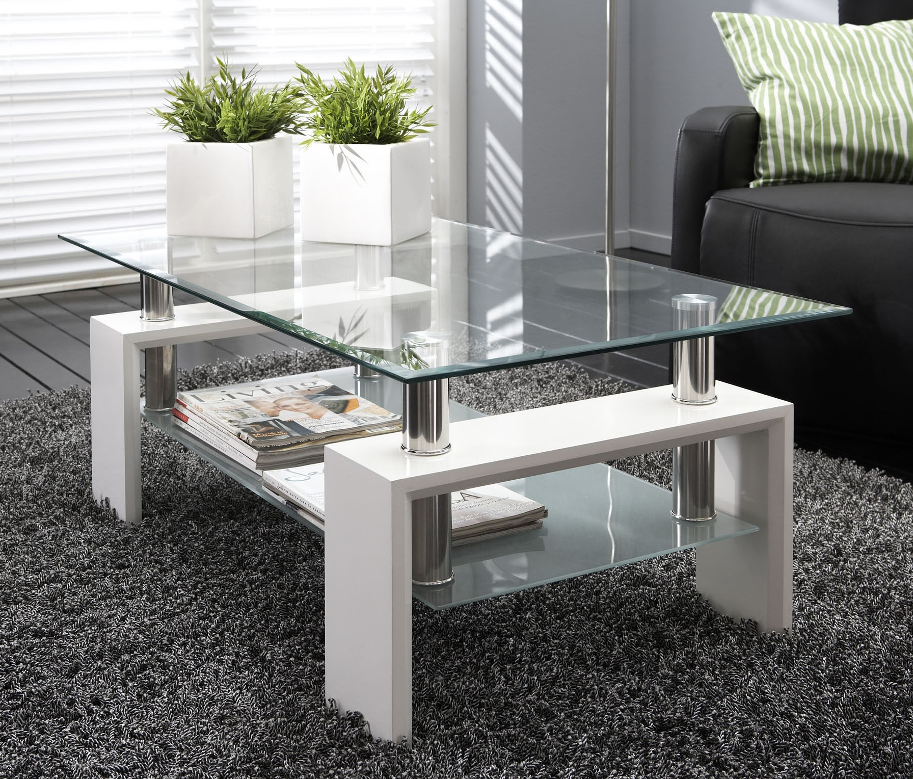 Table basse en verre ma table basse for Table de salon plexiglass