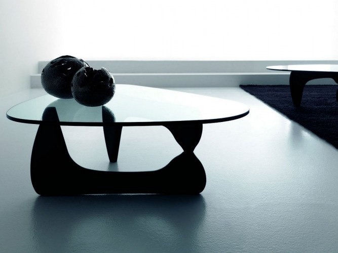 table_basse_isamu_situation_noir_decoration_design_ekipement_location_mobilier_lille_paris_belgique
