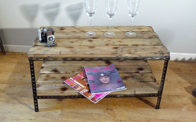 Diy comment cr er sa propre table basse en bois for Construire sa table basse