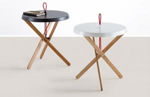 Tables basses à trois pieds