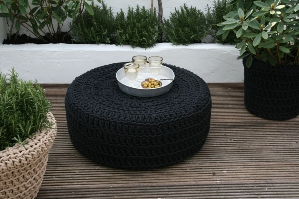 des id es de tables basses colos. Black Bedroom Furniture Sets. Home Design Ideas