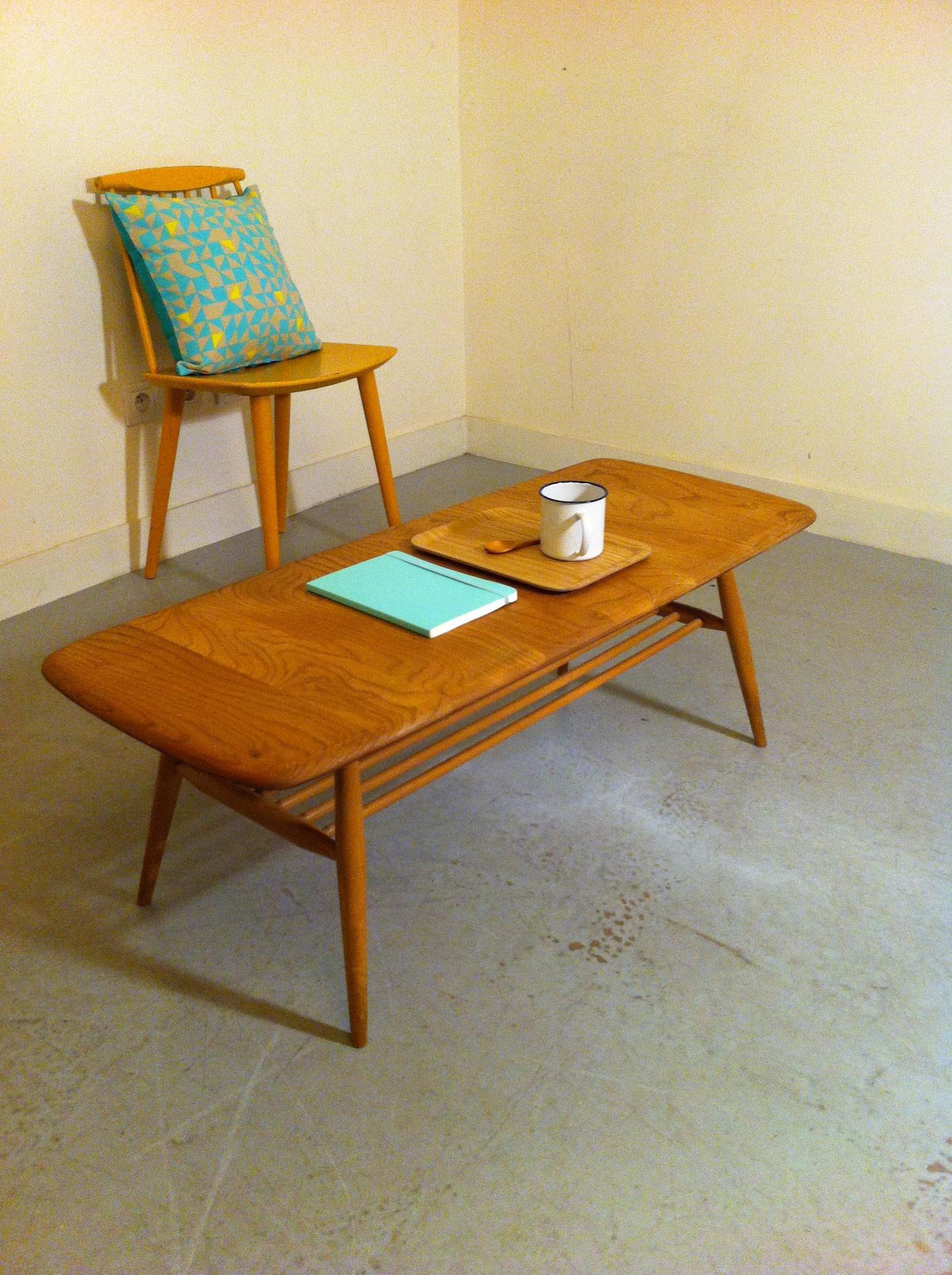 quelle table basse pour un salon vintage. Black Bedroom Furniture Sets. Home Design Ideas