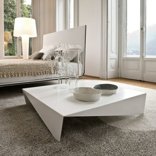 Table basse contemporaine apportez une touche de for Tables basses contemporaines