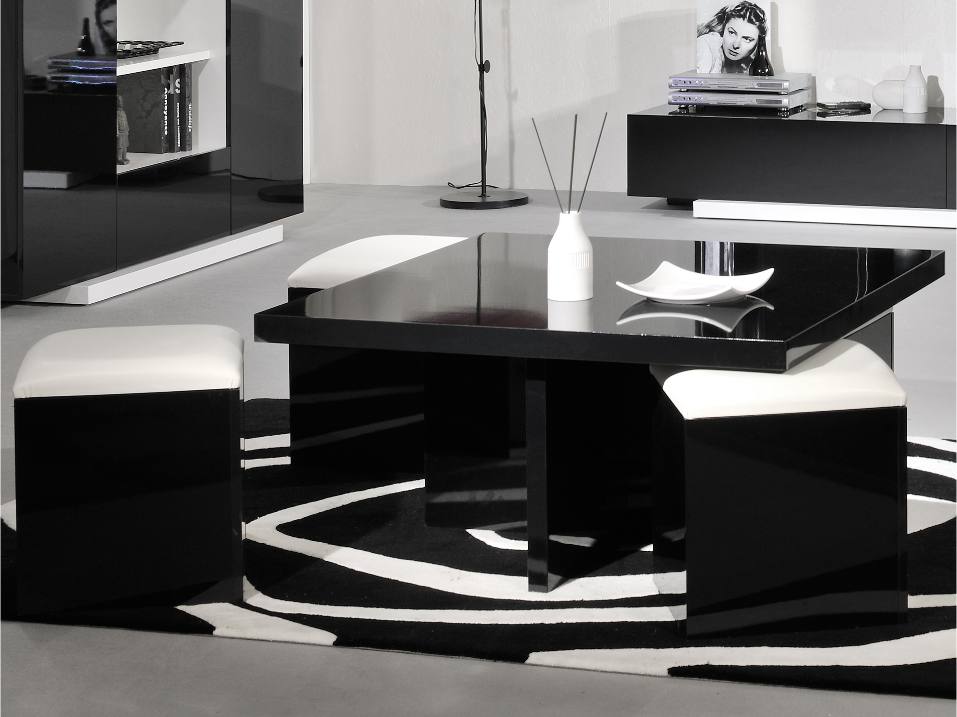table basse carr e ma table basse. Black Bedroom Furniture Sets. Home Design Ideas